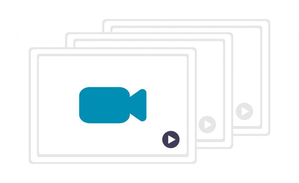 Schülerin zur Videobearbeitung